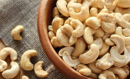 Cashew Nuts – 7 ประโยชน์ที่น่าอัศจรรย์สำหรับผิวผมและดวงตา!